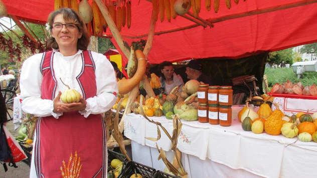 Štand sa slatkim proizvodima - © Foto: Danijela Jankov i Dragana Starčević