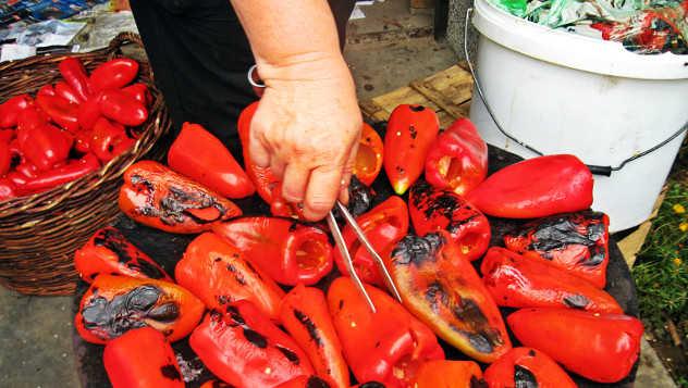 pečenje paprike za leskovački ajvar