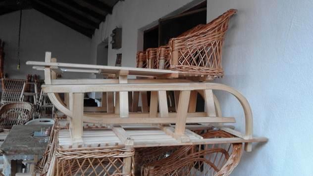 Sanke sa ispletenom stolicom - © Danijela Jovanović