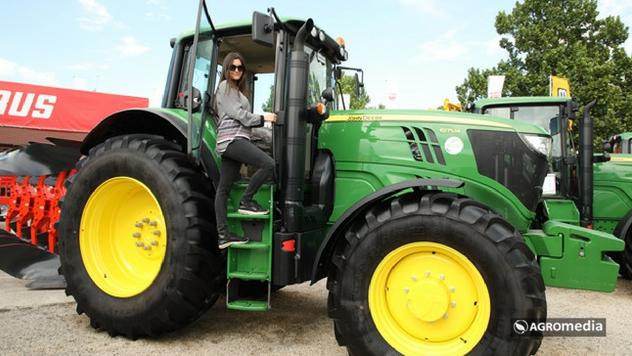 John Deere tarktor na 85. Poljoprivrednom sajmu © Agromedia
