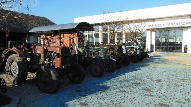 Stari traktori © Foto: FB stranica Muzeja Žeravica