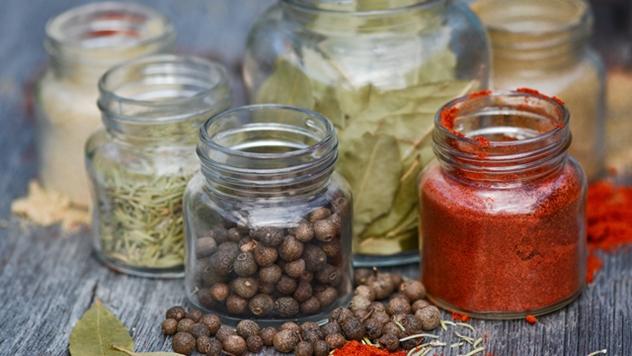 Začinske biljke pomažu mršavljenju - © Pixabay